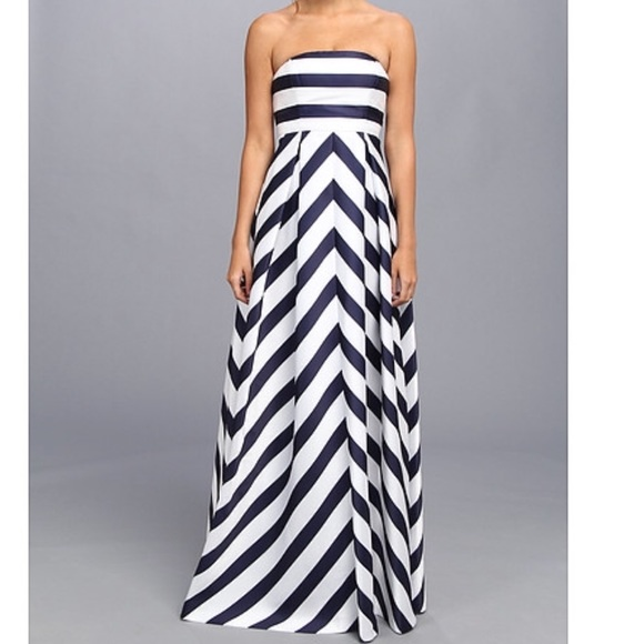 f626550602cdb Jessica Simpson Dresses & Skirts - 🥂💕 Host Pick!! Jessica Simpson  Maternity dress